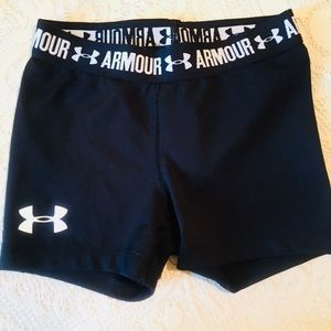 Girls Under Armour shorts (heat gear )